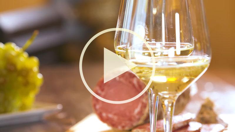 Chef Alessandro Borghese nelle terre dell'ASTI Docg - L'aperitivo con l'Asti Docg Secco
